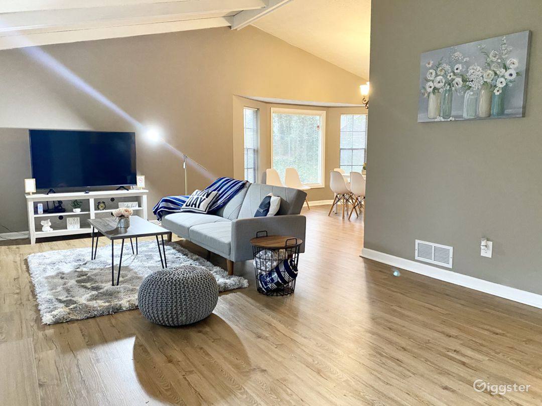 Unique and Modern Retreat in the Heart of Duluth Photo 2