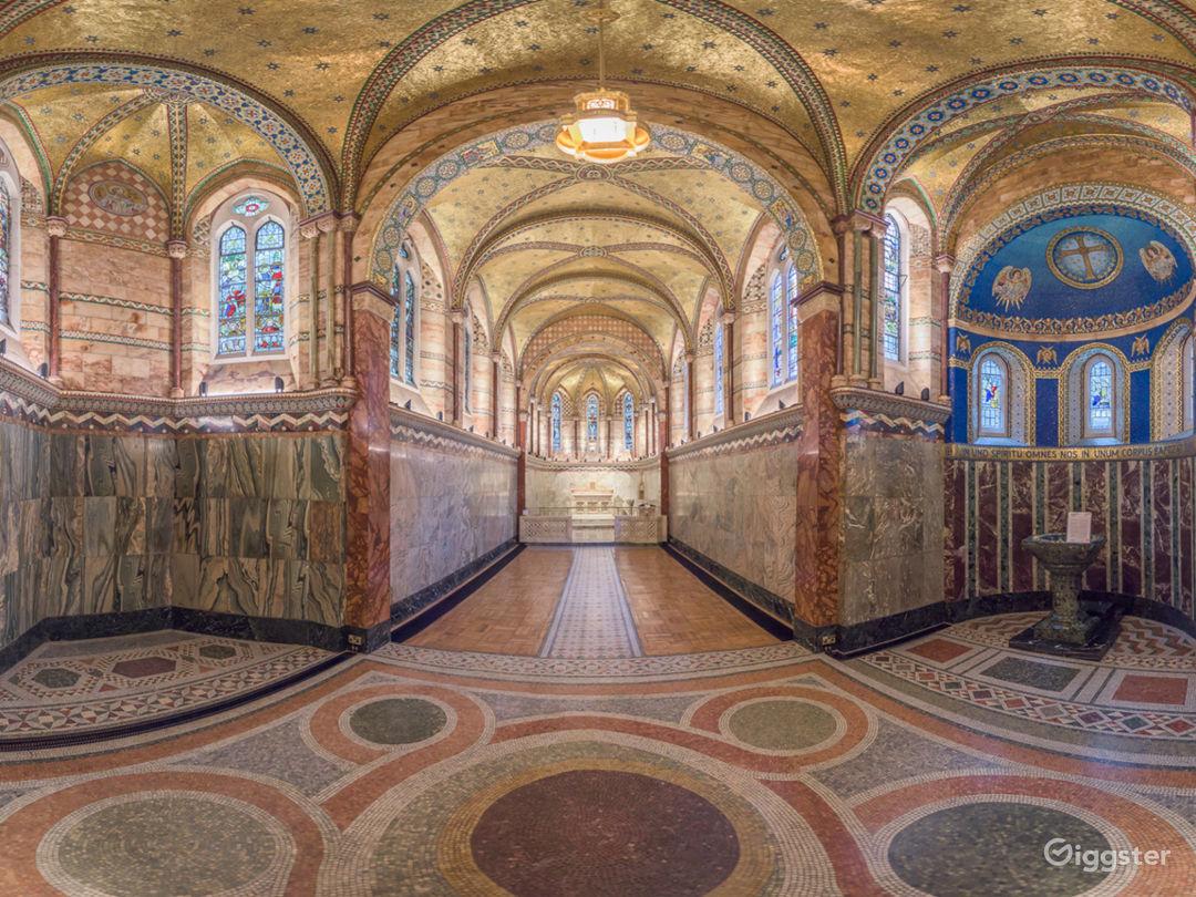 Inspiring Venue with Classic Architecture & Design Photo 1