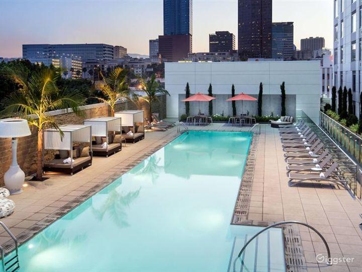 Lavish Terrace with Amazing Pool in LA Photo 2