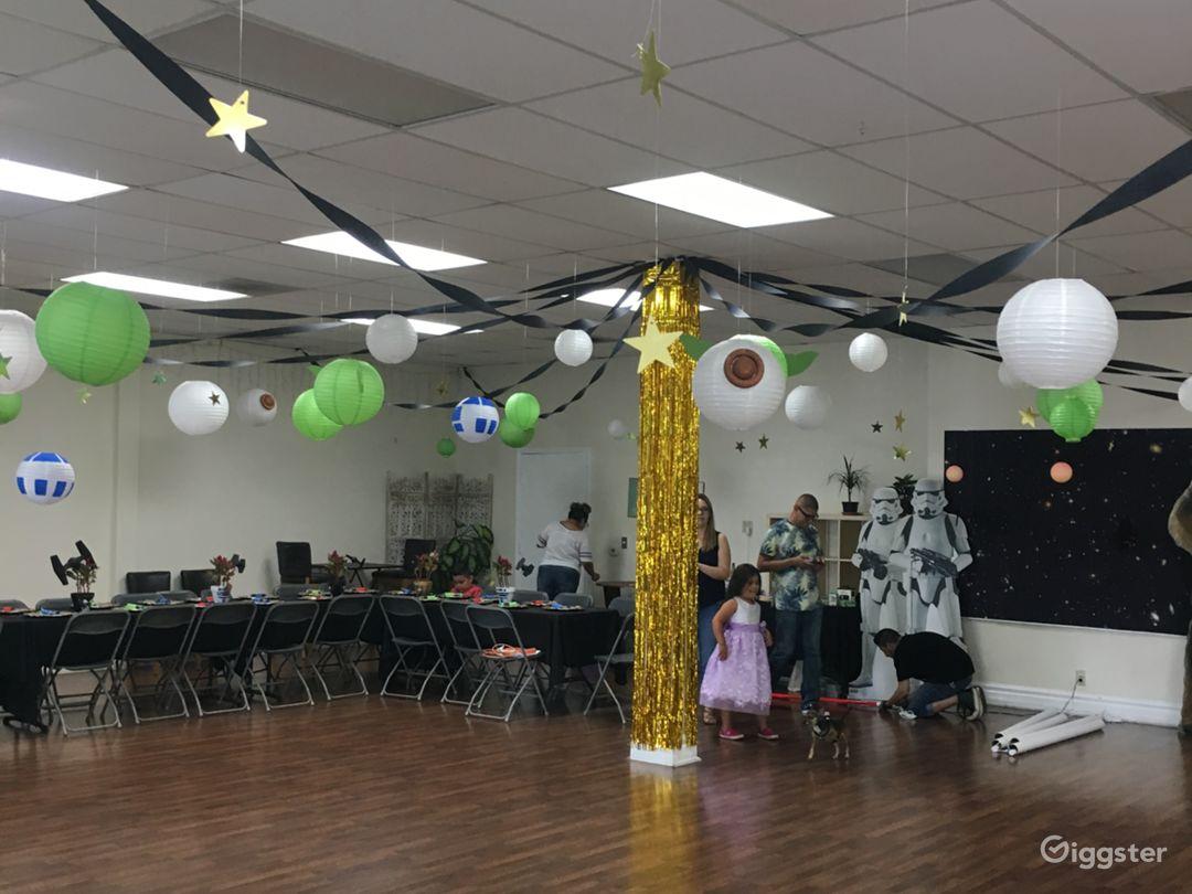 Big Spacious Venue In Northridge Photo 3