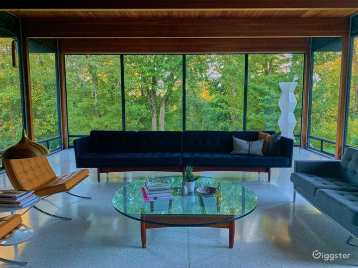 Modern suburban home: Location 5227 Photo 3