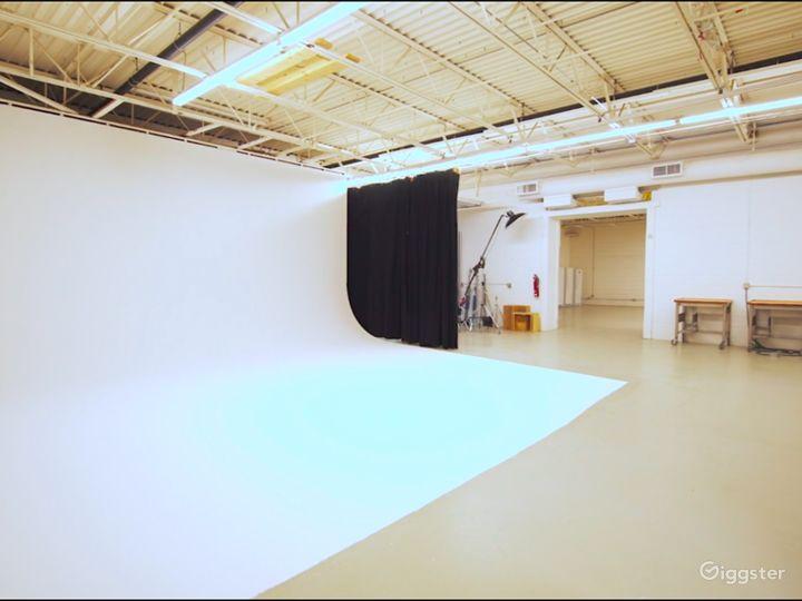 Contemporary Photo Studio in Minneapolis Photo 2