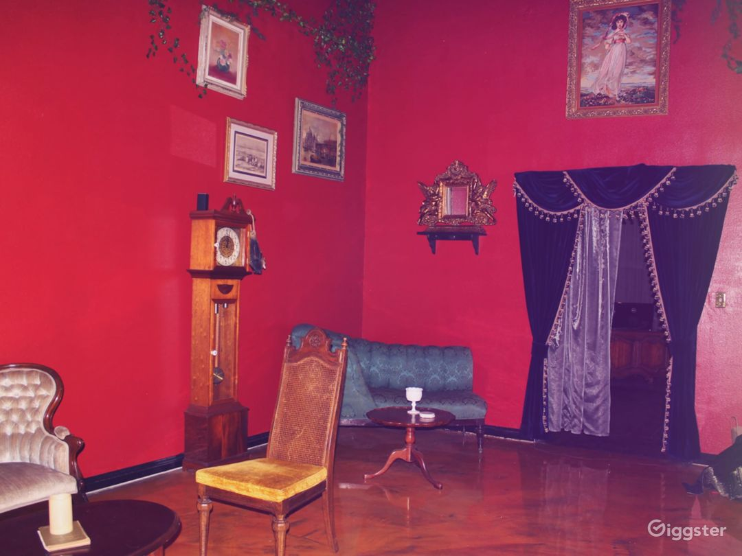 Spacious Old-World Victorian space in DLTA Photo 5