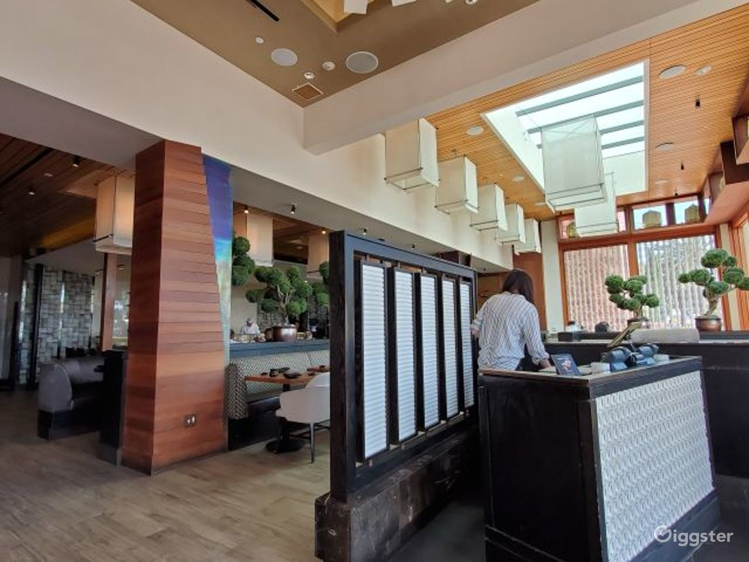 Sushi bar in Newport Beach Photo 1