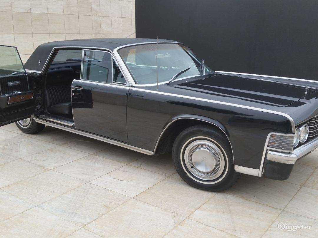 1965 Lincoln Continental Suicide Doors  Photo 1