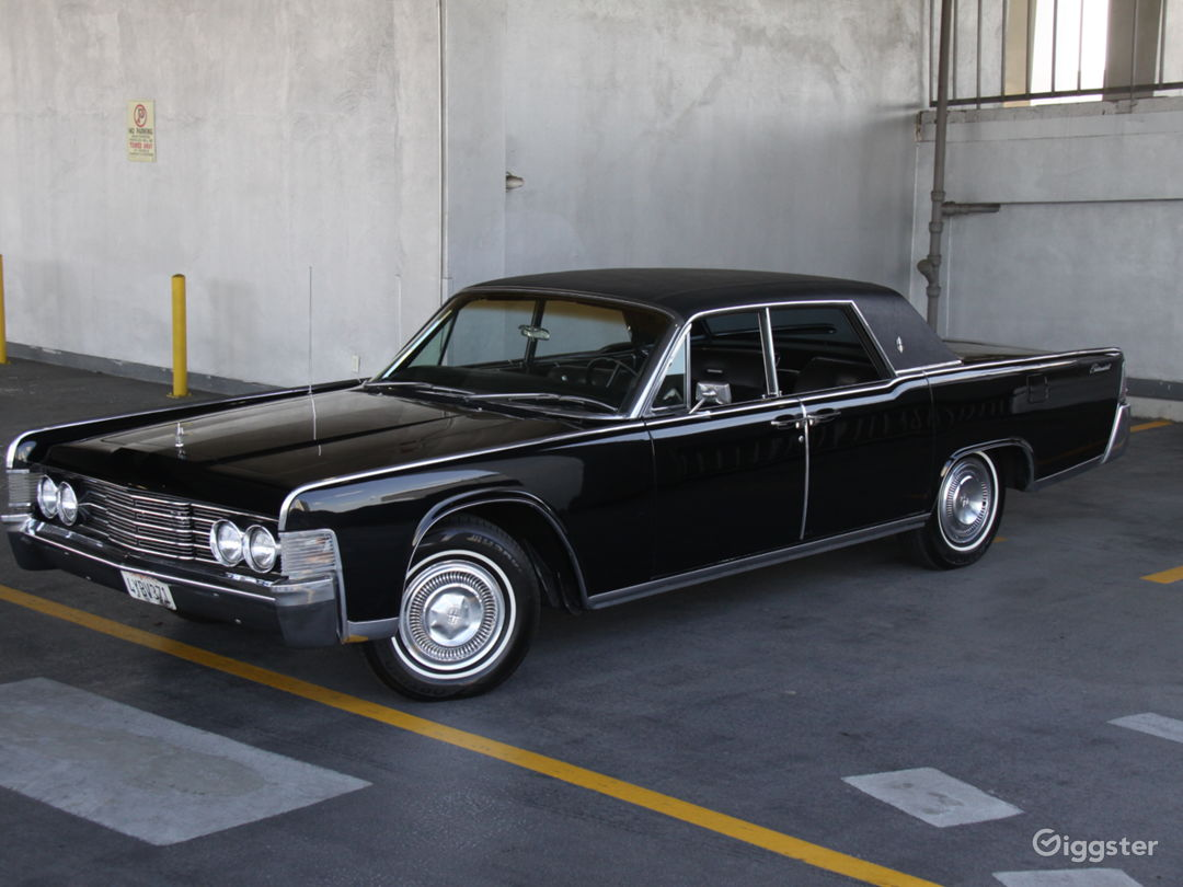 1965 Lincoln Continental Suicide Doors  Photo 3