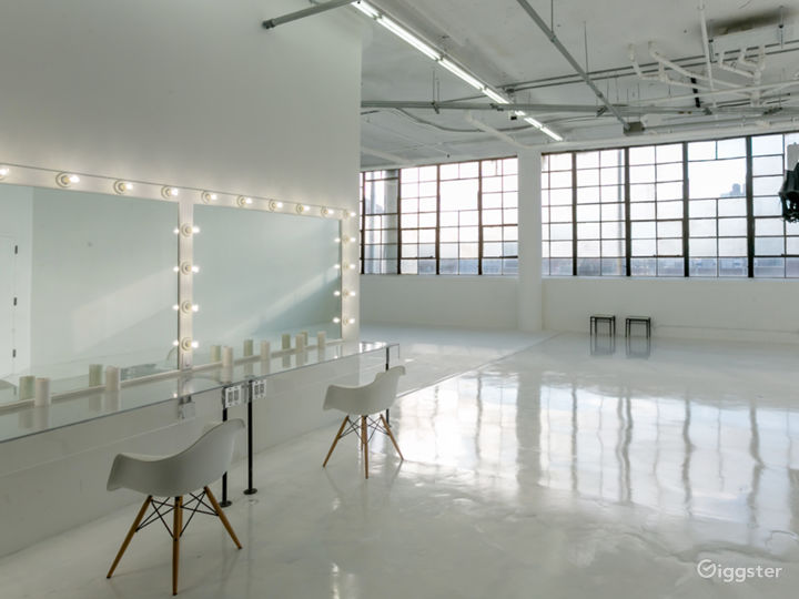 Elegant Light Filled w/ Cyc Wall for Events Photo 5