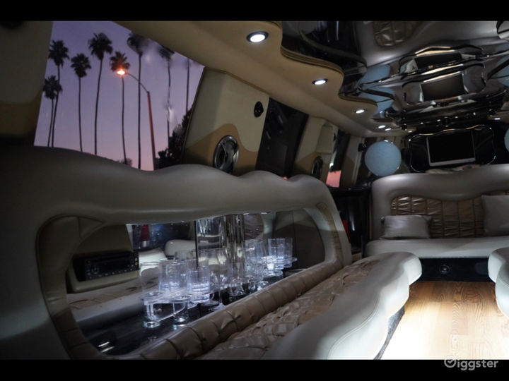 Great White Limo Photo 4