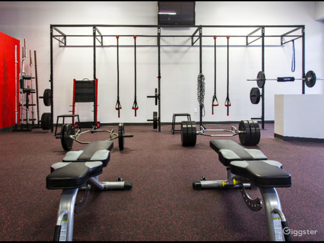 Contemporary and Well-Equipped Gym in Miami Photo 1