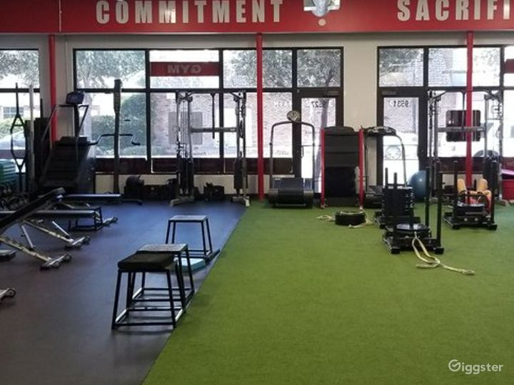 Contemporary and Well-Equipped Gym in Miami Photo 2