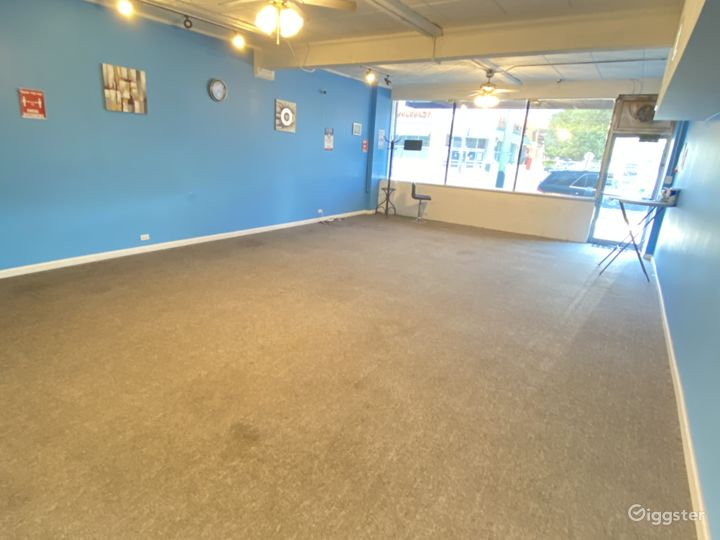 Open carpeted space, smart TV, wifi and lighting