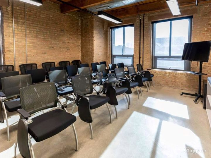 Conference Room in Pilsen Photo 3