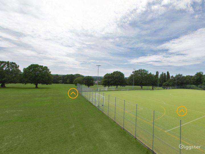 Beautiful Sports field in London Photo 4