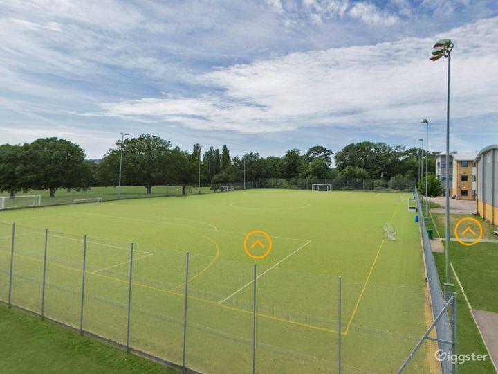Beautiful Sports field in London Photo 2