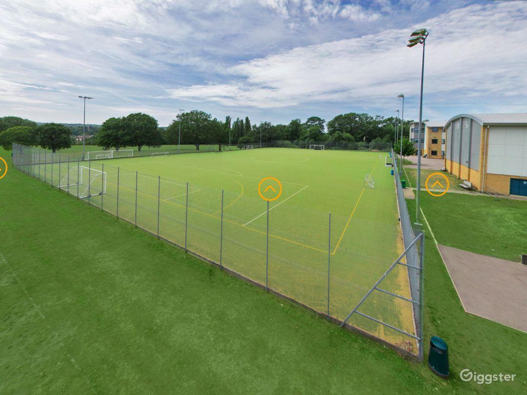 Beautiful Sports field in London Photo 1