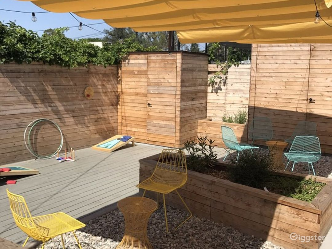 Modern, bright, airy cafe patio in Altadena! Photo 5