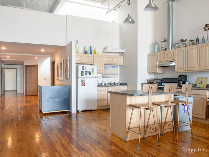 Kitchen/Entryway