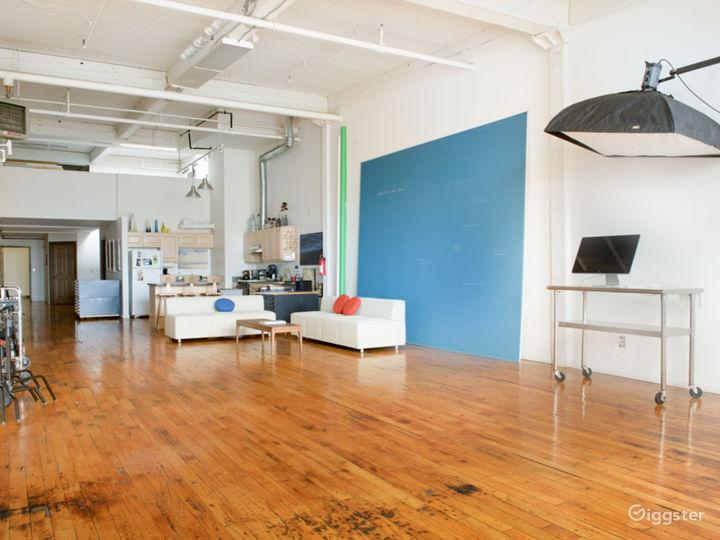 Daylight Loft Studio with Stunning City View