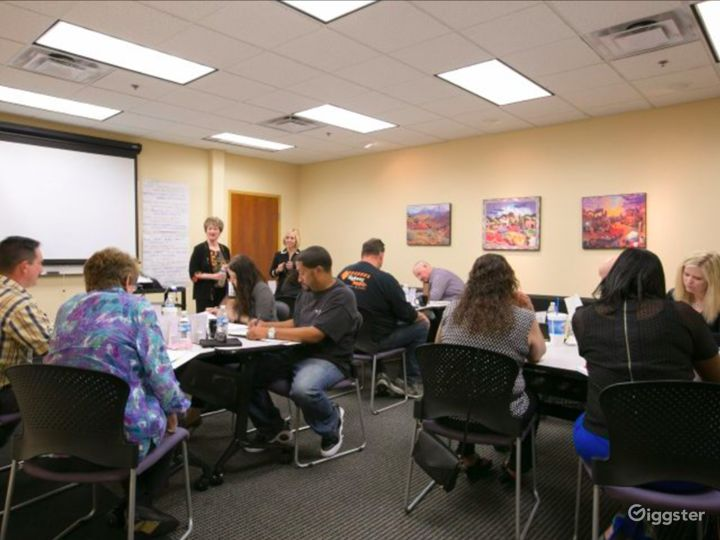 Well-kept Meeting Space in Albuquerque Photo 2