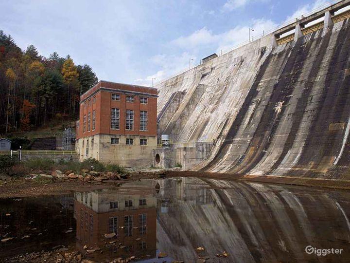 Lake Burton Dam Photo 4