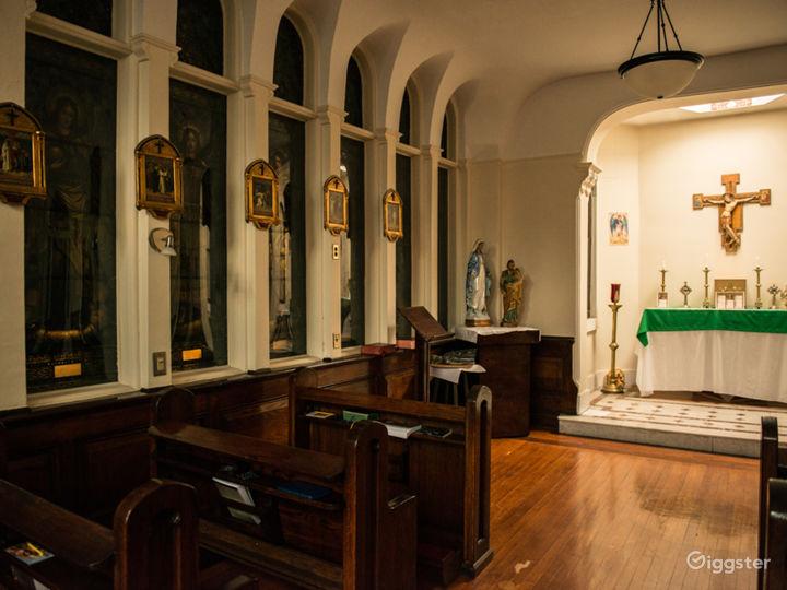 Downtown Manhattan Holy Chapel  Photo 4