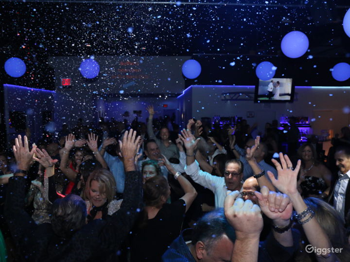 """""""NYC"""" Nightclub Style Space for Film/Photo Shoots Photo 4"""