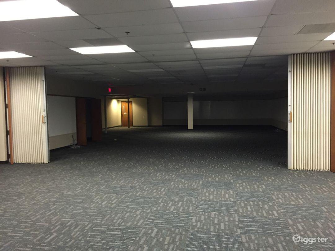 Office suites with Industrial / Warehouse Space Photo 4