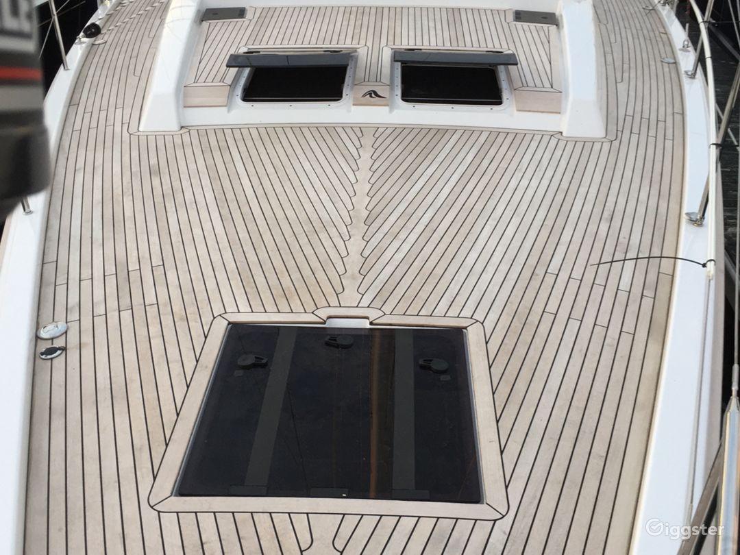 Luxurious Sailboat Photo 2