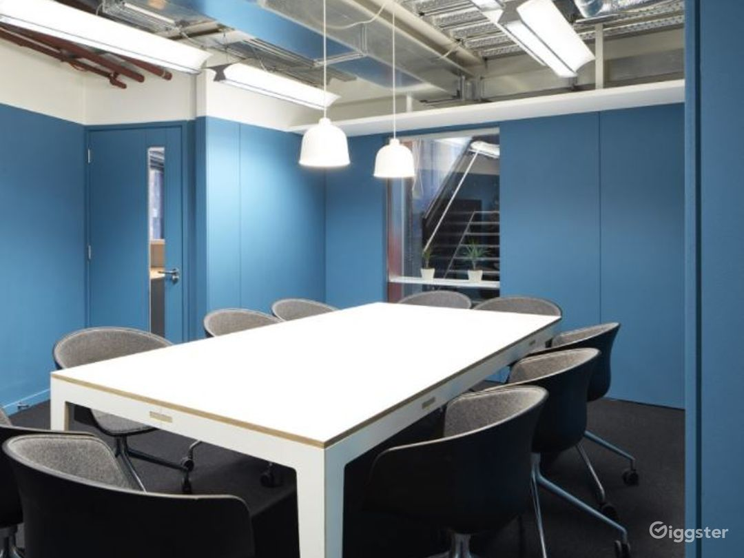 Professional and Creative Board Room for Meetings Photo 1