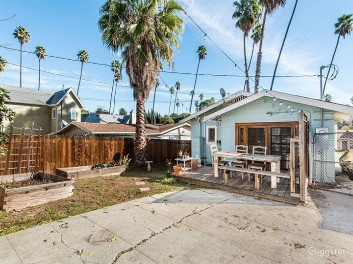 Welcoming Bungalow in LA Photo 2