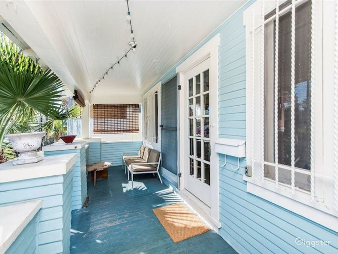 Welcoming Bungalow in LA Photo 1