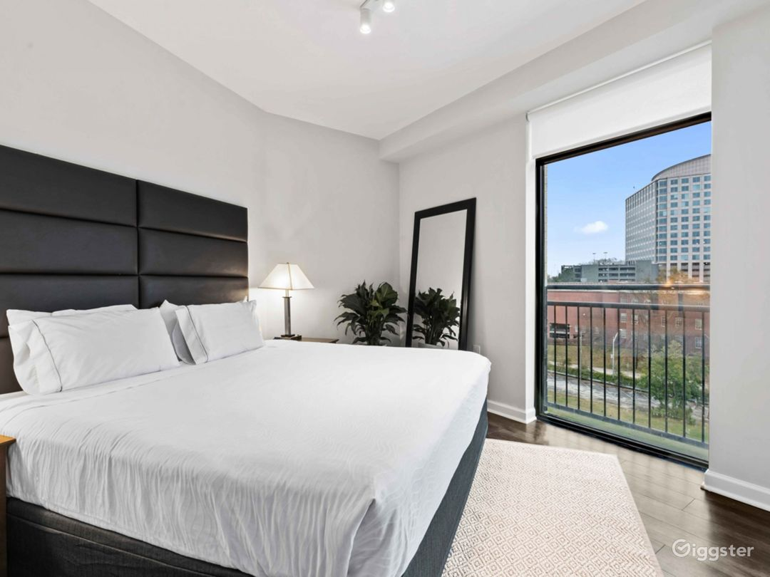 Boutique Luxury High Rise in Buckhead Photo 1