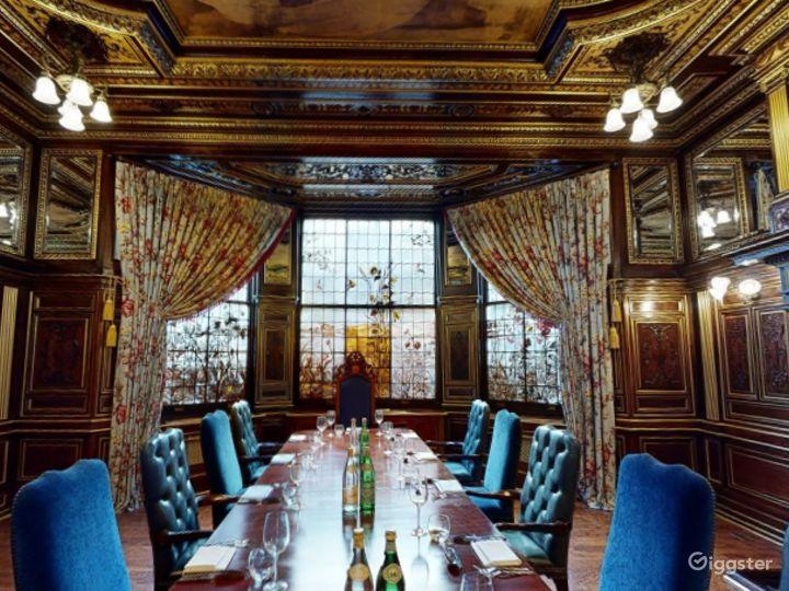 19th Century Vanderbilt Room in Cromwell Road, London Photo 4