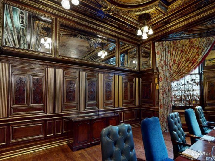 19th Century Vanderbilt Room in Cromwell Road, London Photo 5