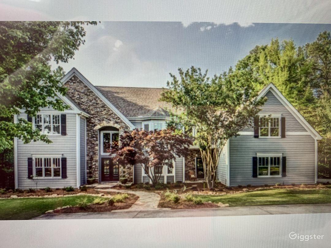 Estate Home on 6.69 Acres Photo 1