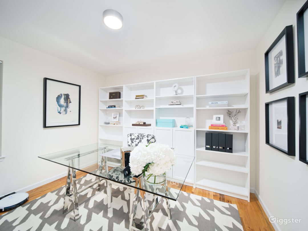 Chicly appointed open floor plan in North Jersey Photo 4