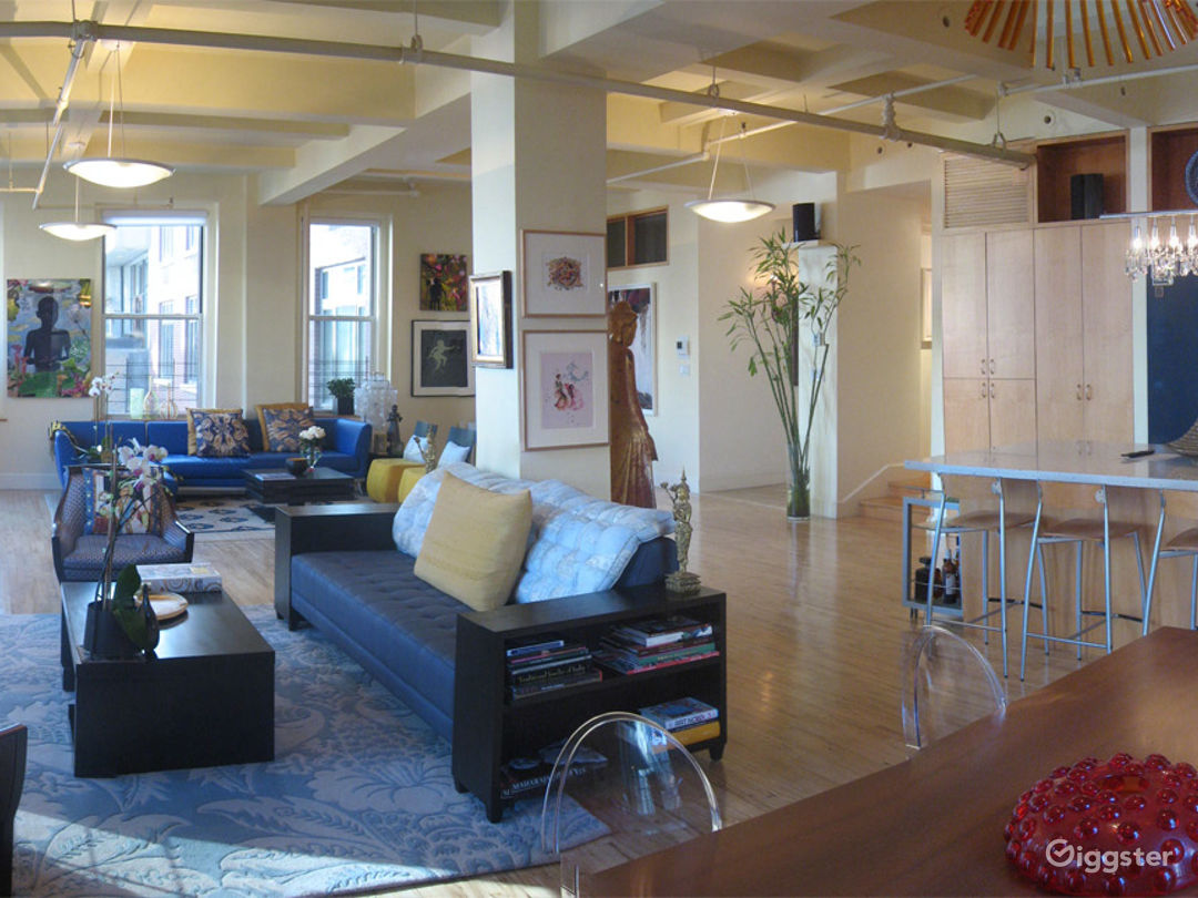 Bright and Airy Loft with Spacious Interior  Photo 1