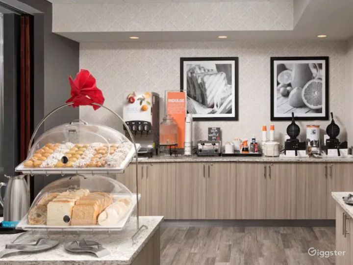 Lavishly Elegant Restaurant in Miami Photo 5