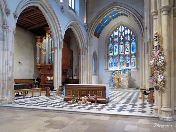 Medieval Church in the heart of London Photo 5