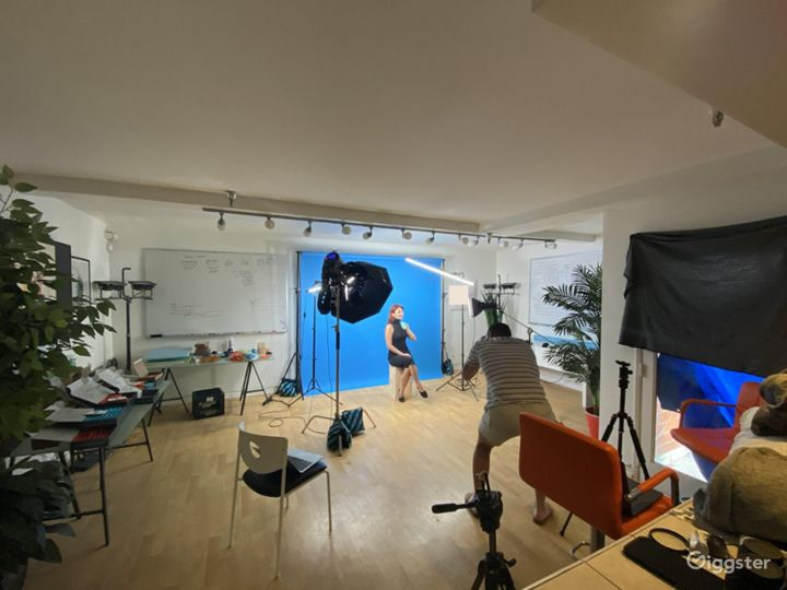 Boutique beachside office for photo/video