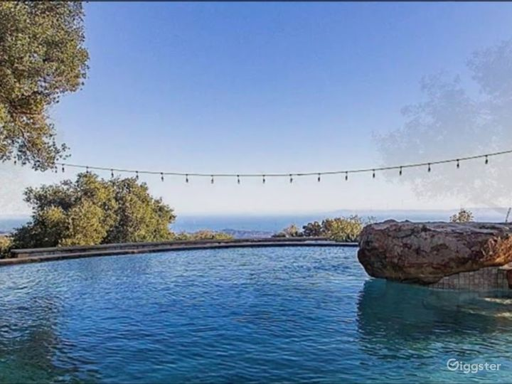 Pool and Jacuzzi with stunning views