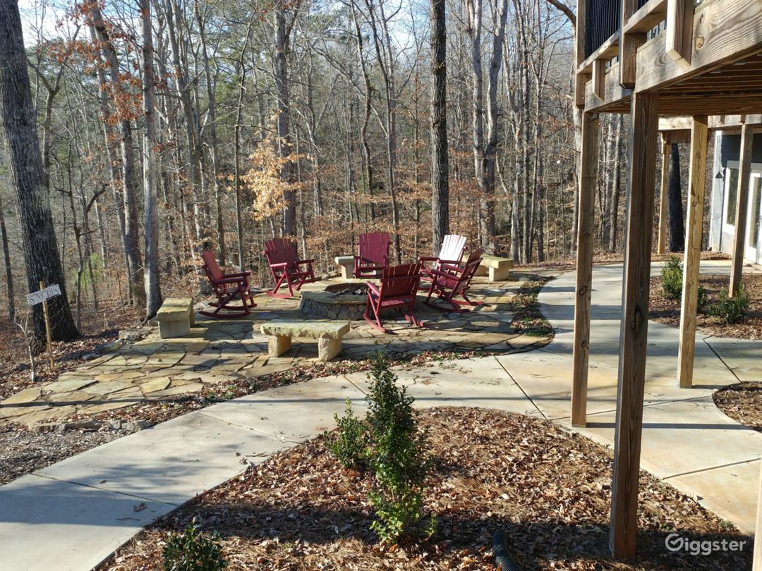 Secluded Lake House with a Fire Pit Photo 2