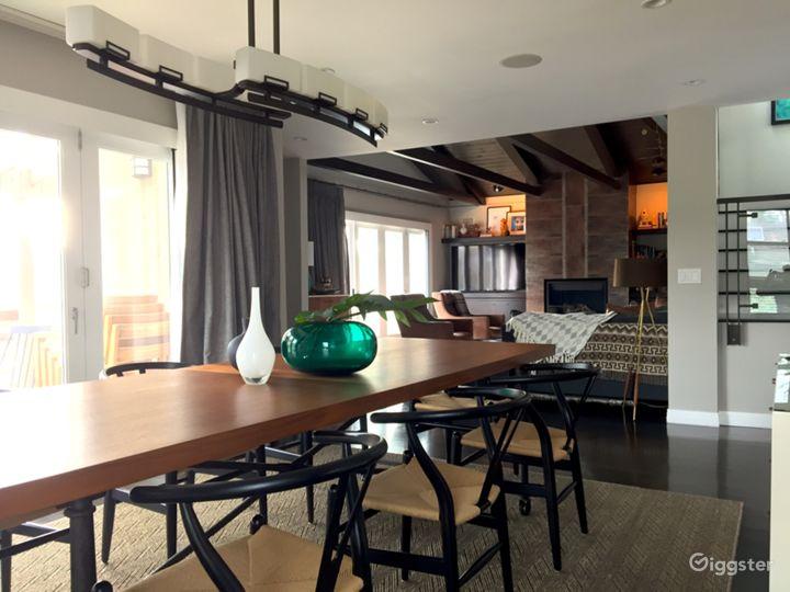 Organic Modern Reservoir-Front Home in LA Photo 4
