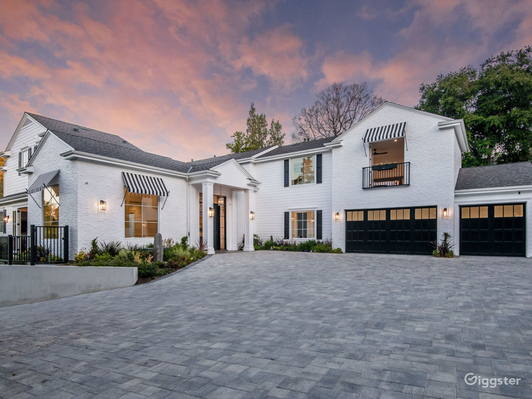 Newly Built Contemporary Cape Cod Estate with View Photo 4
