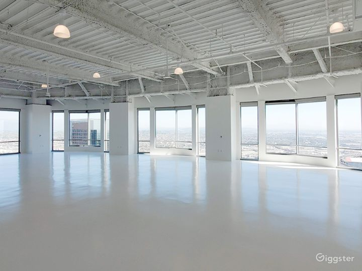 South Facing Studio C, with Flawless Views of the Iconic downtown Los Angeles Skyscrapers  Photo 3