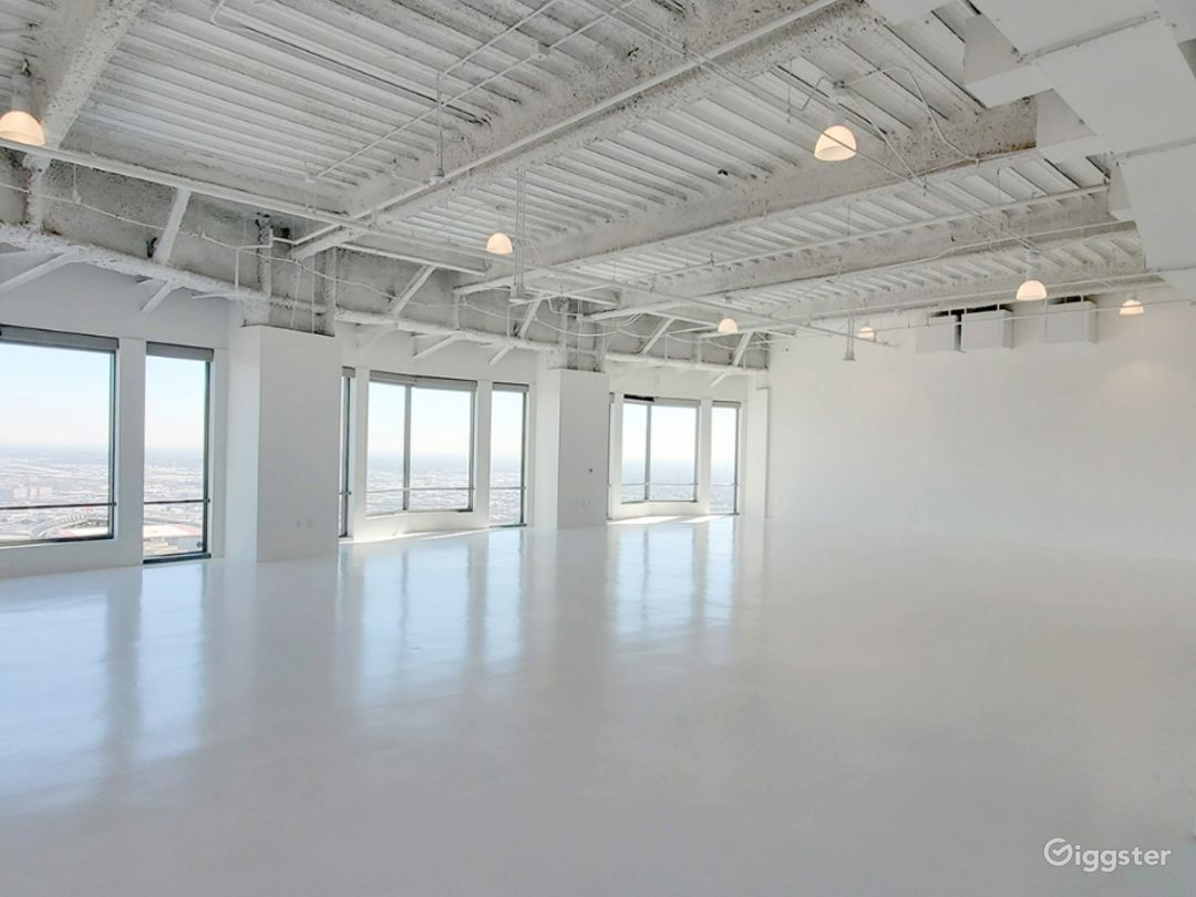 South Facing Studio C, with Flawless Views of the Iconic downtown Los Angeles Skyscrapers  Photo 1