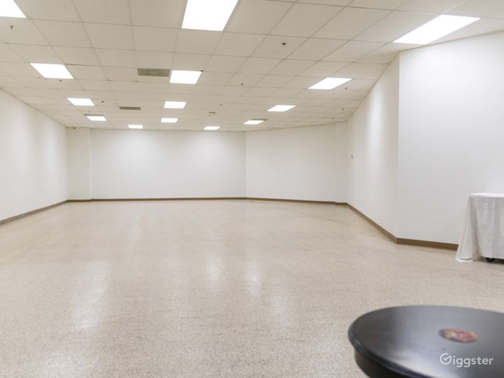 Large Event Space Photo 4