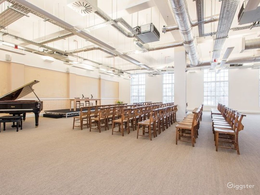 The Spacious Prudential Hall with Baby Piano Photo 1