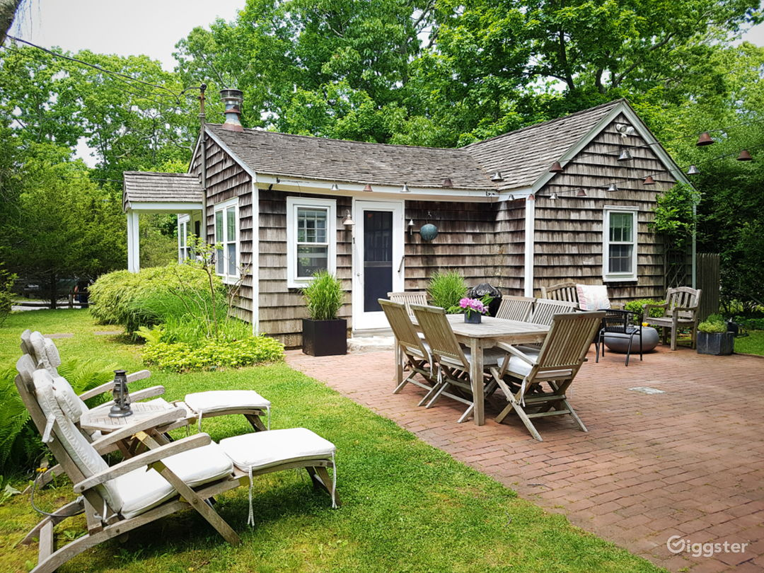 Classic Hamptons cedar cottage by the bay Photo 4
