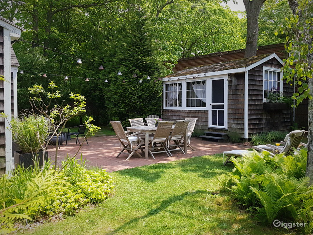 Classic Hamptons cedar cottage by the bay Photo 3